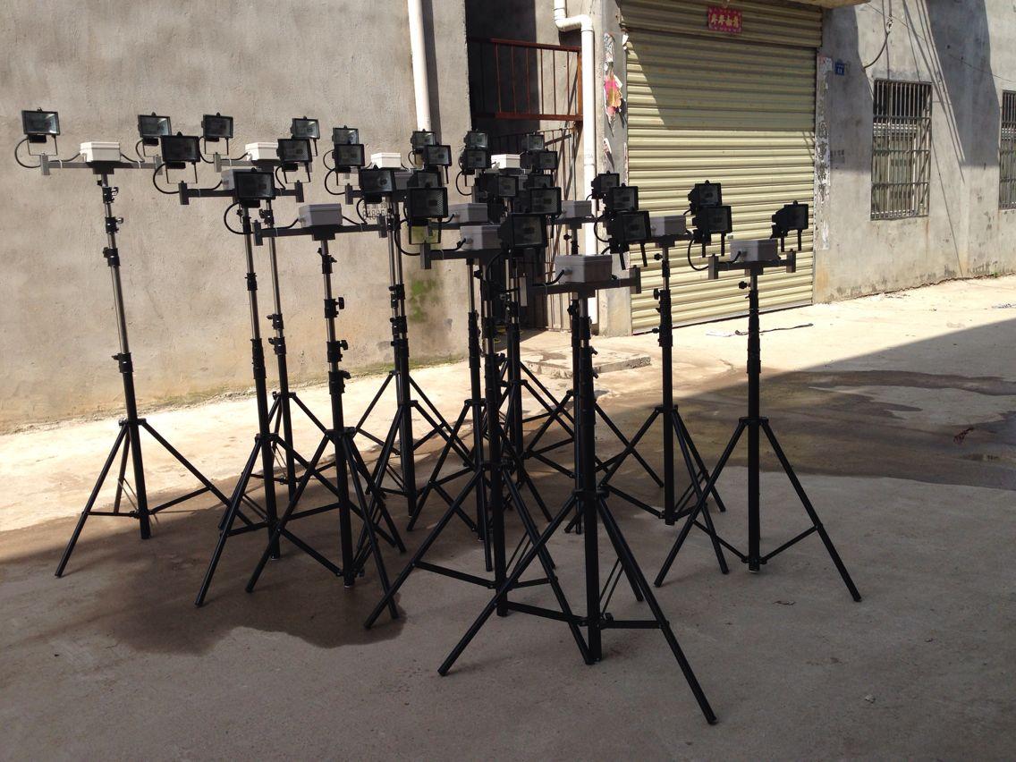便攜式支架泛光燈丨三角支架升降工作燈-- 武漢遠迪照明電器制造有限公司