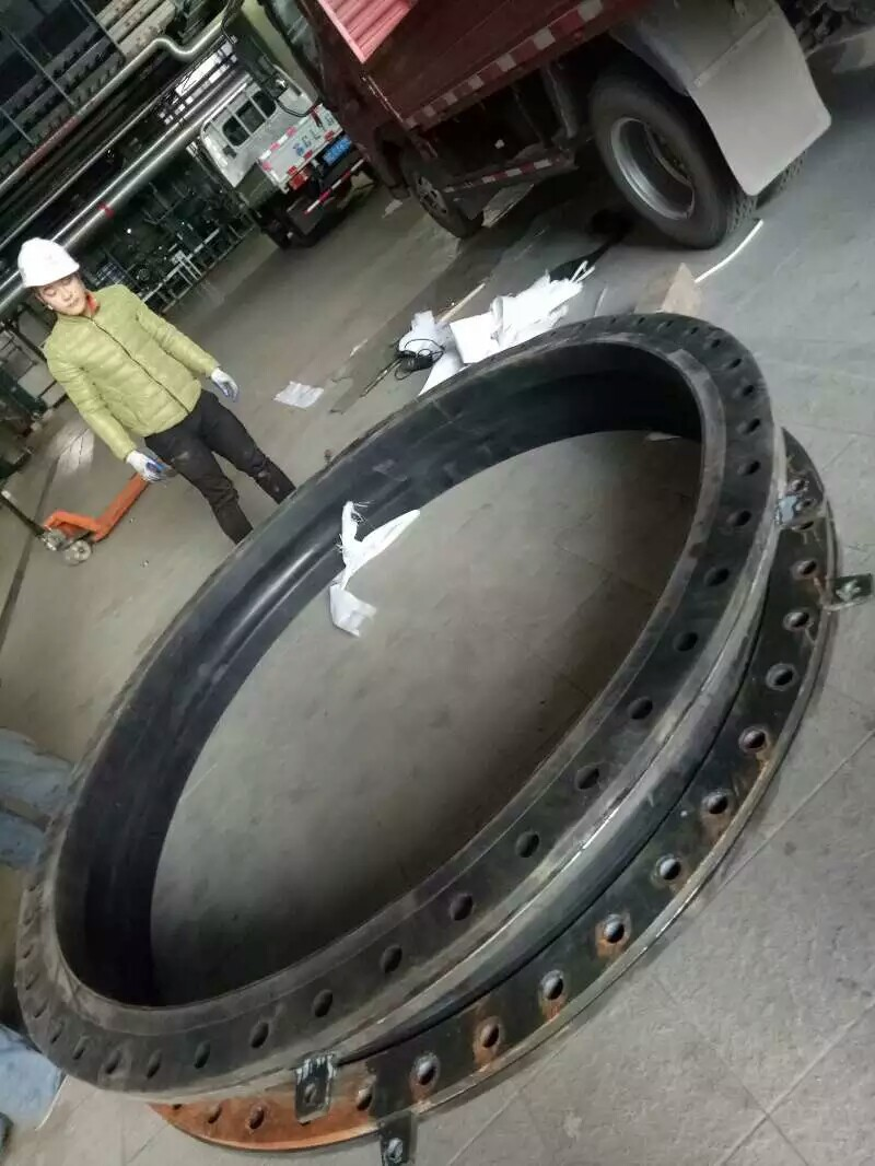 耐磨橡胶软连接批发、河北橡胶软连接现货供应品质保障-- 河北弘创橡塑科技有限公司