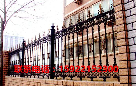 津铁艺围栏安装  天津铁艺围栏采购-- 天津福瑞林铁艺卷帘门公司