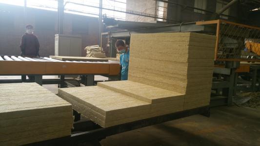 外墙保温岩棉板厂家直销-- 沃步保温材料