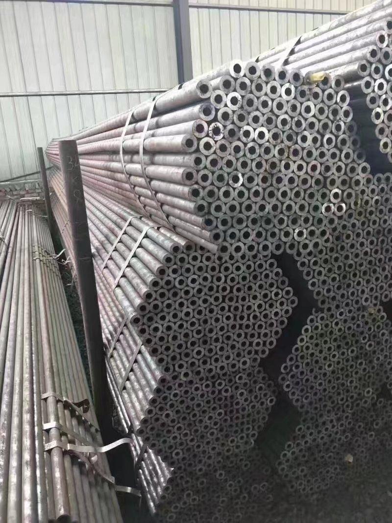 专业生产小口径热轧无缝钢管厂家现货供应-- 山东聊城钢信金属材料有限公司