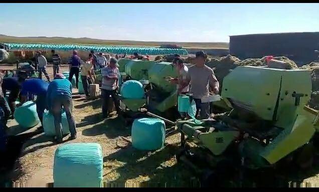 玉米秸稈全自動青儲打捆機設備-- 曲阜鑫聯重工機械制造有限公司