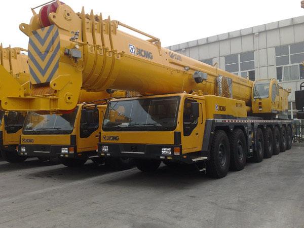 300噸吊車-- 南京誠信起重設備租賃有限公司