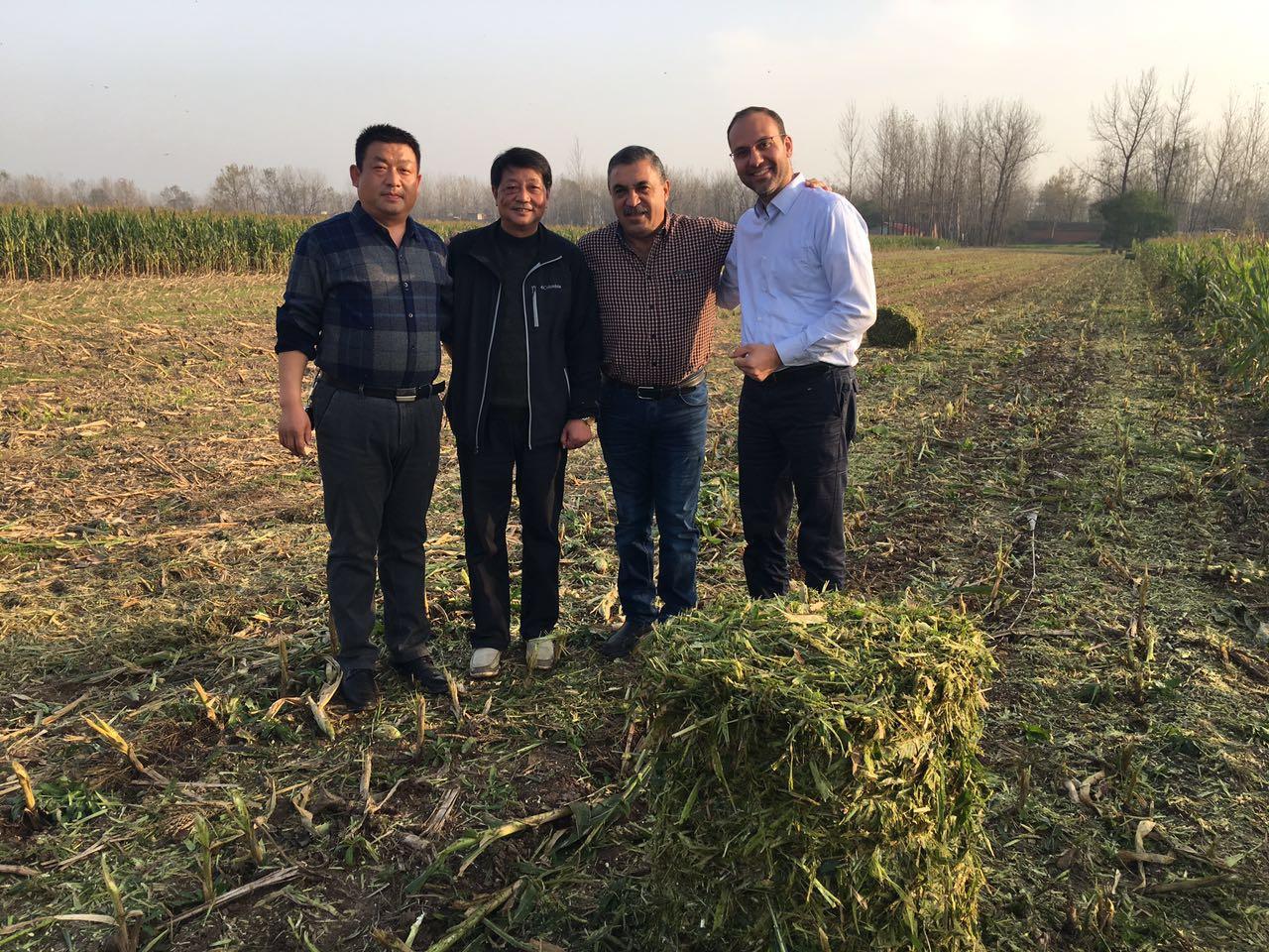 山東粉碎型打捆機生產現場-- 曲阜鑫聯重工機械制造有限公司